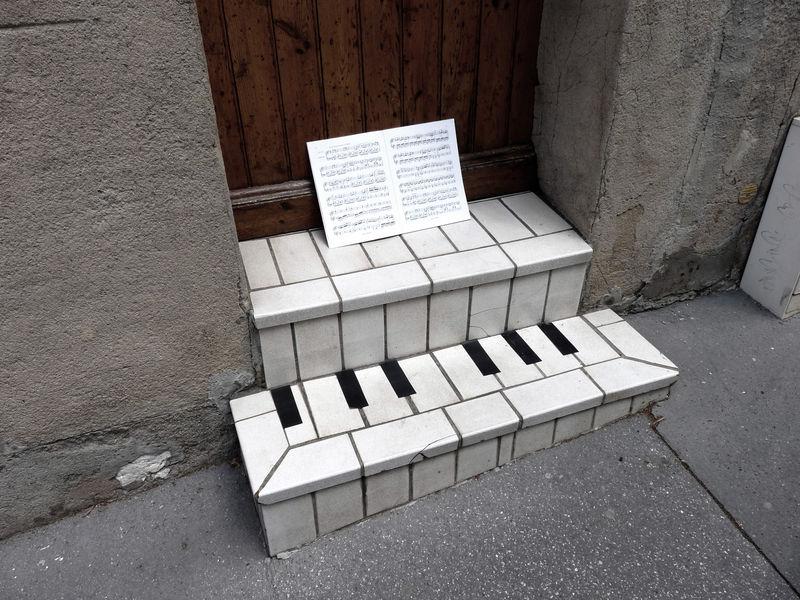 oakoak-street-art-france-detournement-urbain-03